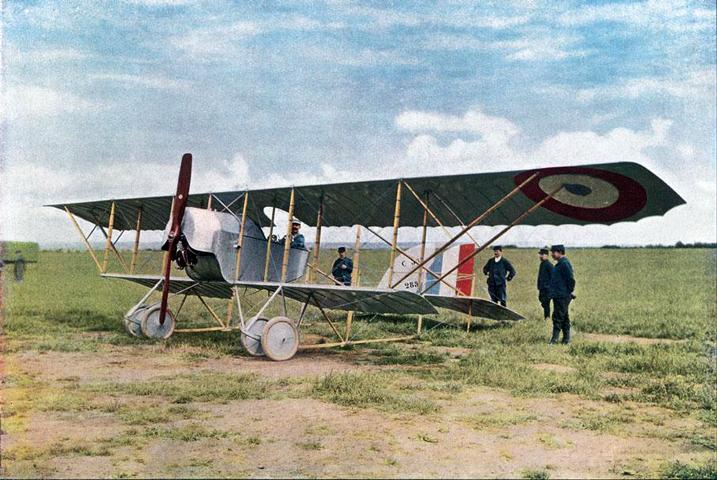 Máy bay Caudron-G3, loại máy bay quân sự đầu tiên của Pháp trong Đệ Nhất Thế Chiến 1914, do phi công Đỗ Hữu Vị lái. Photo: Francetvinfo