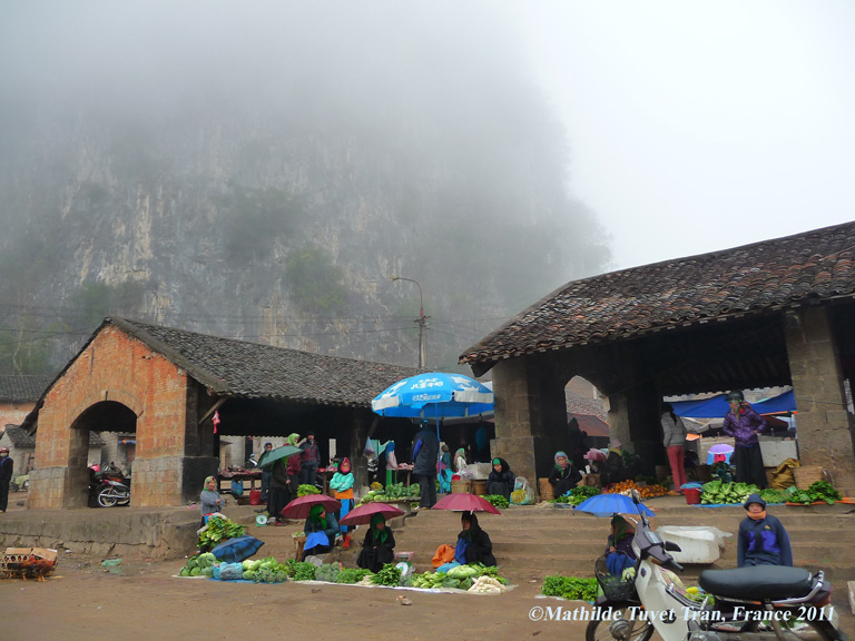 Le marché de Dong Van au Grand-Nord Vietnam (Ha Giang) - Photo: Mathilde Tuyet Tran 2011