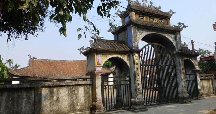 Đình cổ làng Mộ Trạch, Hải Dương. Photo: MTT 2014