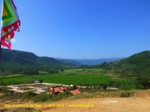 Thung lũng núi Ấn Sơn nhìn từ đài tế trời đất - Photo: MTT 2014