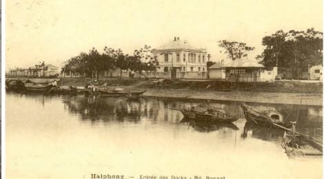 Haiphong entrée des docks -  Cảng Hải Phòng thời thuộc Pháp (carte postale)