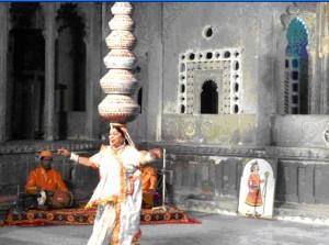 Múa truyền thống ở Udaipur. Photo: Nguyễn Phụng