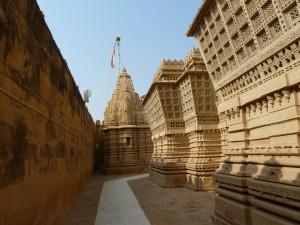 Lăng mộ của maharaja ở ngoại ô Jaisalmer. Photo Nguyễn Phụng