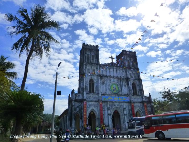 Nhà thờ mầu xanh Mằng Lăng, Phú Yên - Photo: MathildeTuyetTran