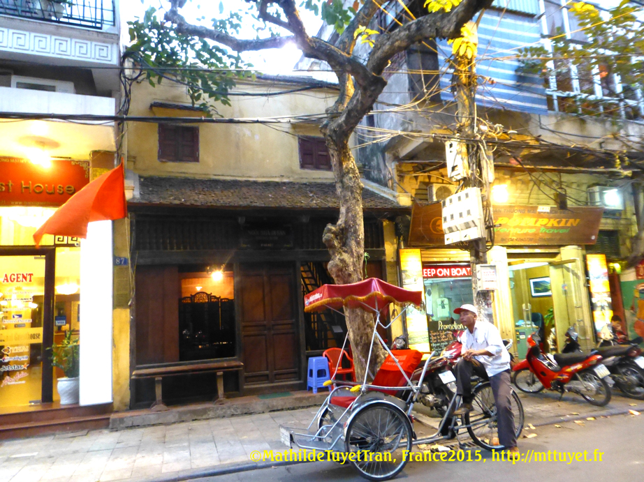 Une ancienne maison conservée à Hanoi, rue Mã Mây. Photo: MathildeTuyetTran, France2015