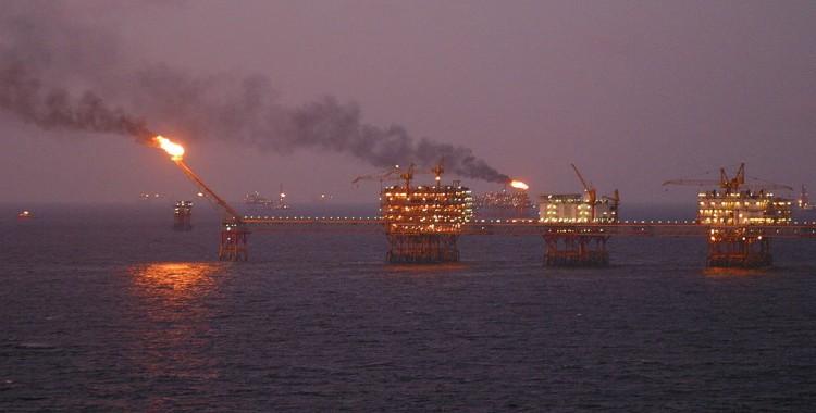Thị trường dầu hỏa là yếu tố và động lực thúc đẩy khủng hoảng kinh tế thế giới ?
