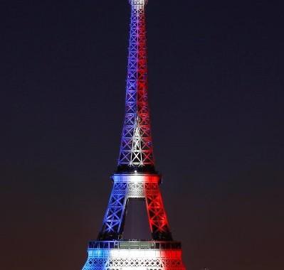 Tháp Eiffel, cầu Long Biên Hà Nội và cầu Tràng Tiền Huế