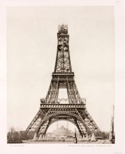 Đến tháng 12 năm 1888 thì tầng thứ ba của ngọn tháp Eiffel được hoàn tất ở một chiều cao là 267,1 mét